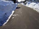 雪融け後の道